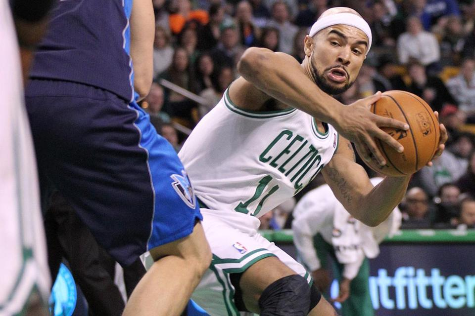 Jerryd Bayless earned his coach's praise with a six-assist, no-turnover outing Monday.