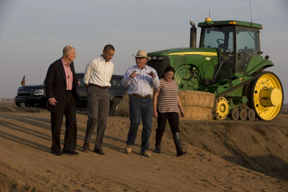 President Obama (second from left) toured a farm in Los Banos, Calif. The state is facing its worst drought in more than 100 years.