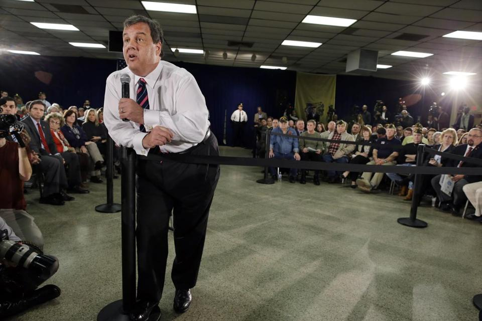 Governor Chris Christie on Thursday held his first town-hall style meeting since a scandal engulfed his office.