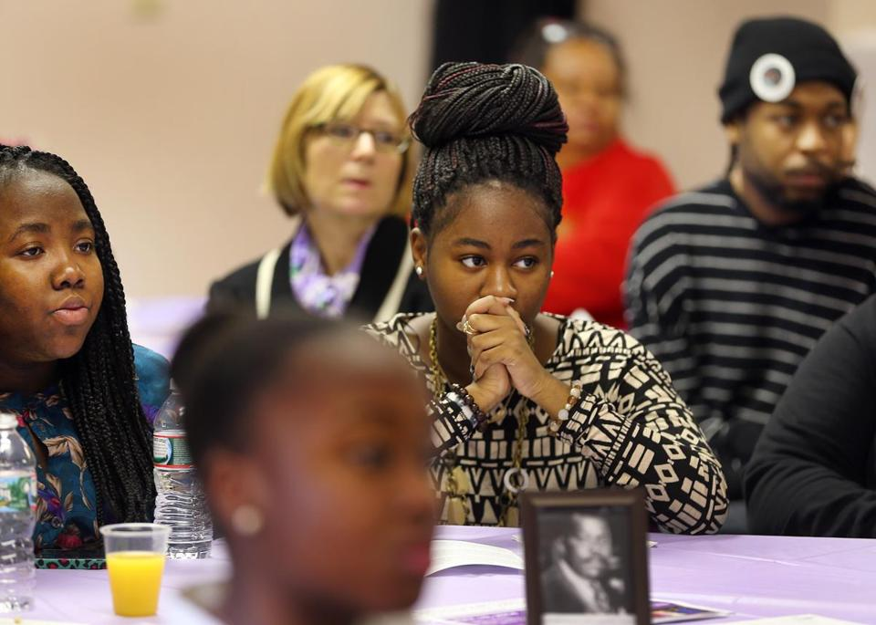 The breakfast was organized by Mothers for Justice and Equality, whose aim is to end neighborhood violence.