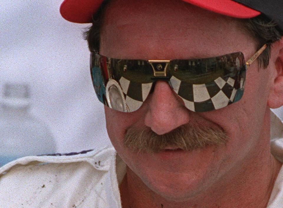 Dale Earnhardt's death still resonates beyond auto racing circles, writes Leigh Montville.