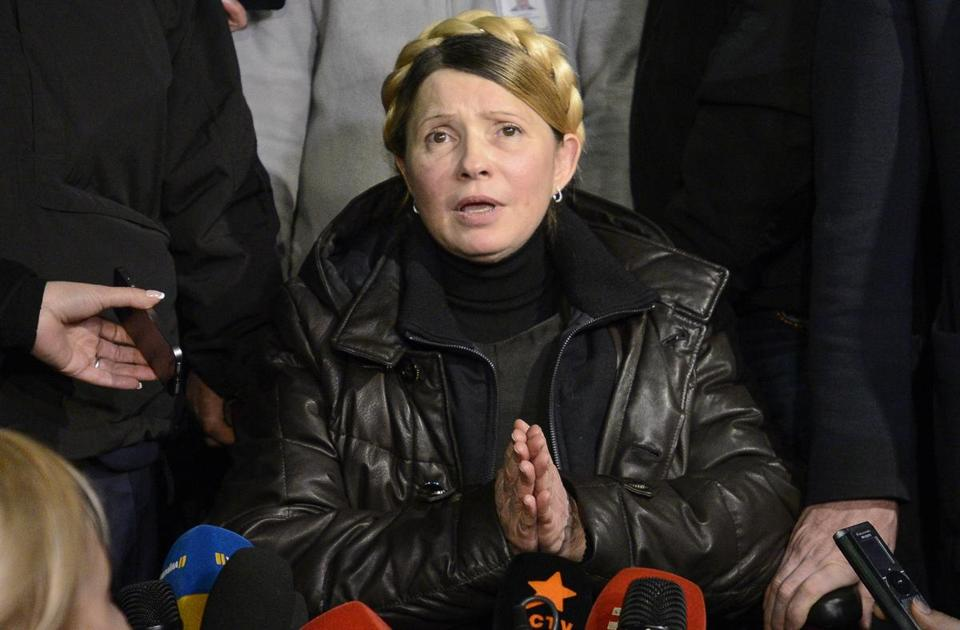 Yulia Tymoshenko, former prime minister of Ukraine, addressed people in Independence Square in Kiev on Saturday after her release from prison, where she had been serving a sentence for a corruption conviction that many had seen as politically motivated. She received an enthusiastic but not overly exuberant reception from the crowd.