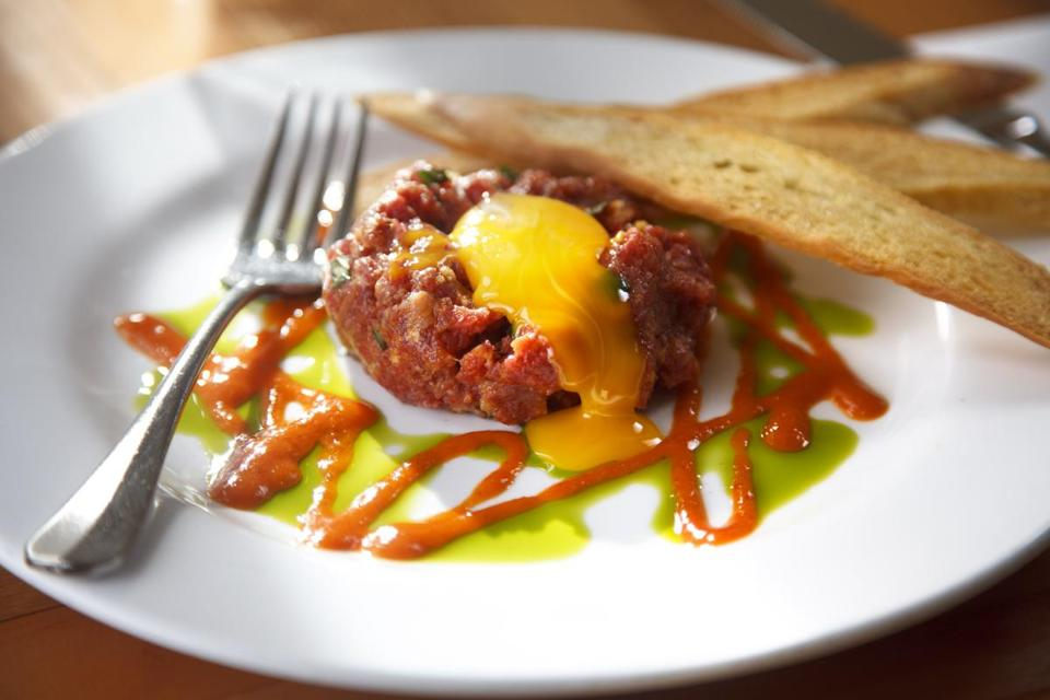Steak tartare with red curry and Southeast Asian herbs