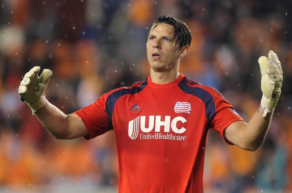 Revolution goalie Bobby Shuttleworth reacted after giving up a goal during last week's match at Houston.
