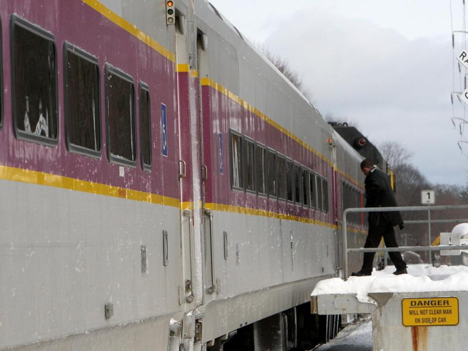 The state awarded the $2.6 billion contract for running the commuter rail system to Keolis.
