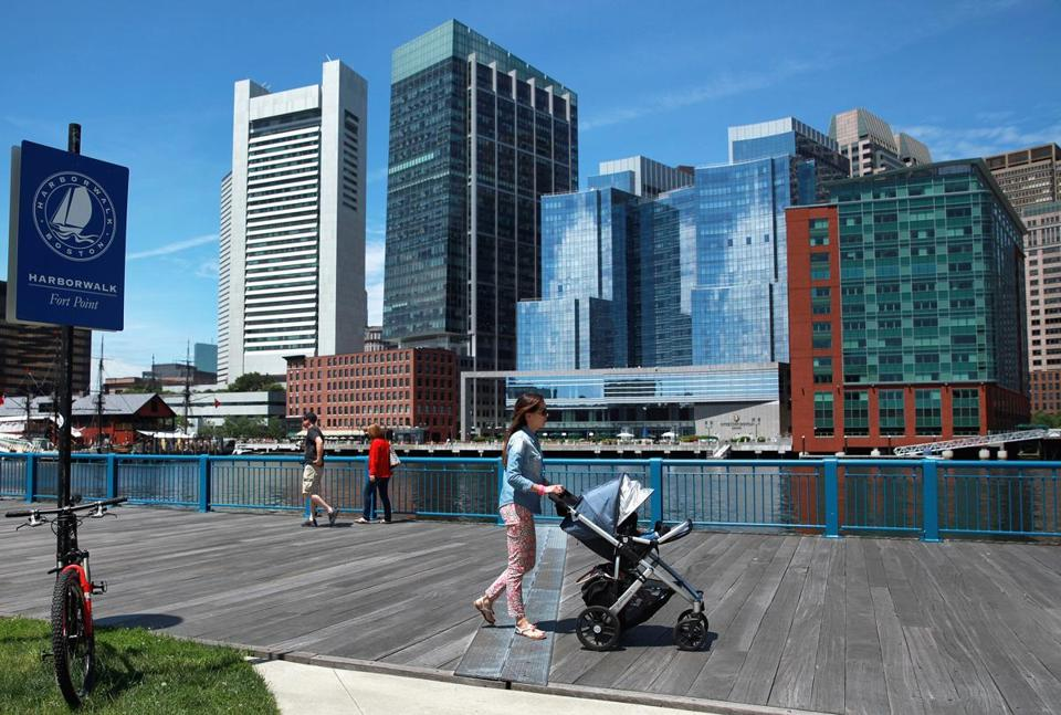 Pedestrians Explored The Harborwalk At Fort Point Restaurants In District And Nearby Seaport