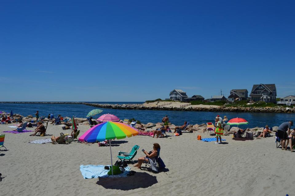 Salty Brine State Beach is a popular destination in Narragansett, Rhode Island. Photo credit: Eric Doyle for the Boston Globe. -- 02tankaway