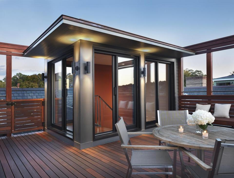 A brookline roof deck gets a second life the boston globe for Roof deck design