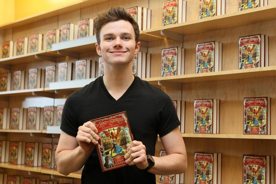 Chris Colfer drew more than 300 fans to Barnes & Noble in Burlington.