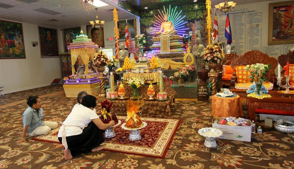 A memorial service will be held Sunday at the Glory Buddhist Temple.