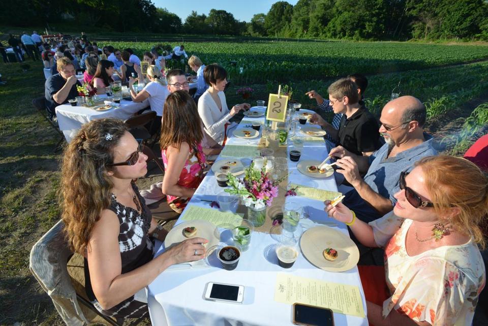 Farm Dining Brings Customers Close To The Source The Boston Globe - Farm table needham