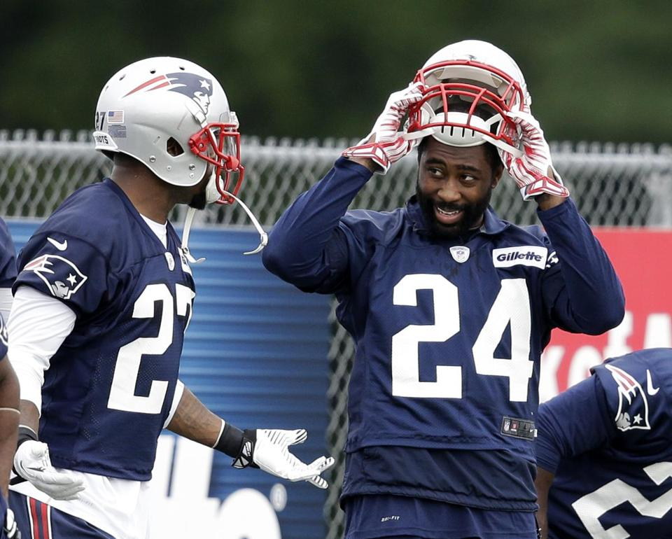 With Darrelle Revis (24) enhancing the secondary, the Patriots might have enough to hold down a potential playoff foe such as Denver. (AP Photo)