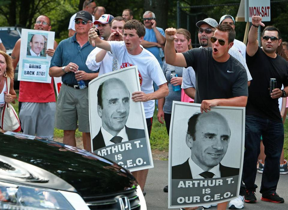Market Basket workers demonstrated at a job fair for potential replacements in Andover last week.