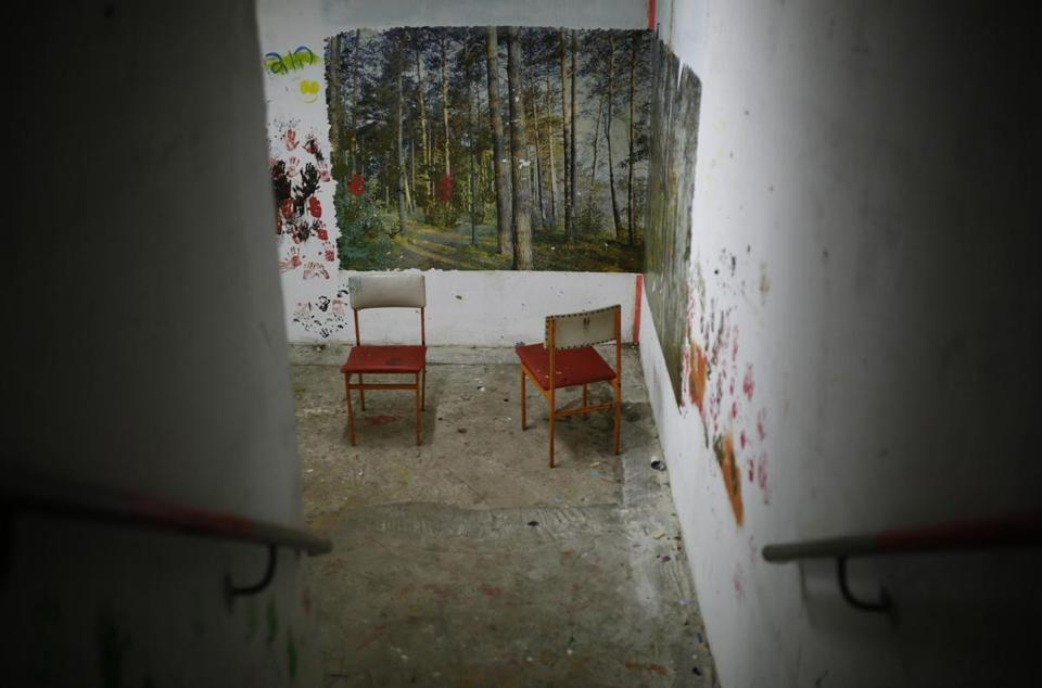 Bomb shelters expose rifts in Israeli society - The Boston Globe