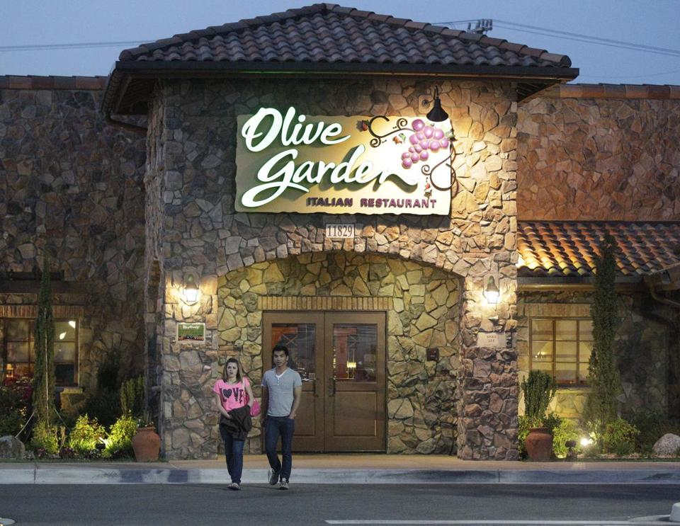 Olive Garden To Debut Simpler Menu After Activist Takeover The Boston Globe