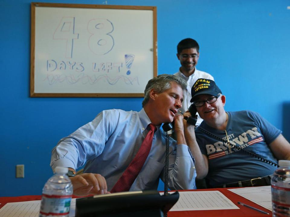 Scott Brown (left) helped man the phone banks in Salem, N.H. earlier this week.