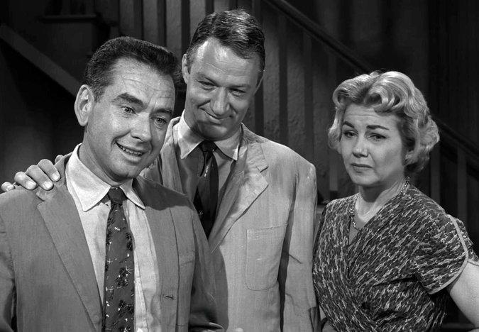 "Don Keefer (left), in a famed ""Twilight Zone'' episode in 1959 with John Larch."