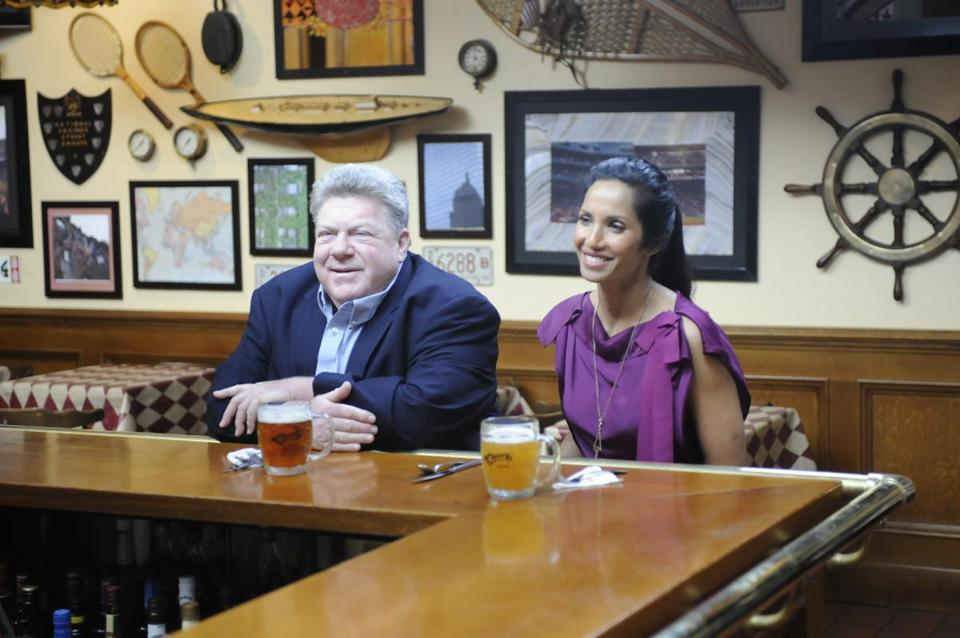 """Top Chef"" host Padma Lakshmi visited Cheers with George Wendt during filming for this season."