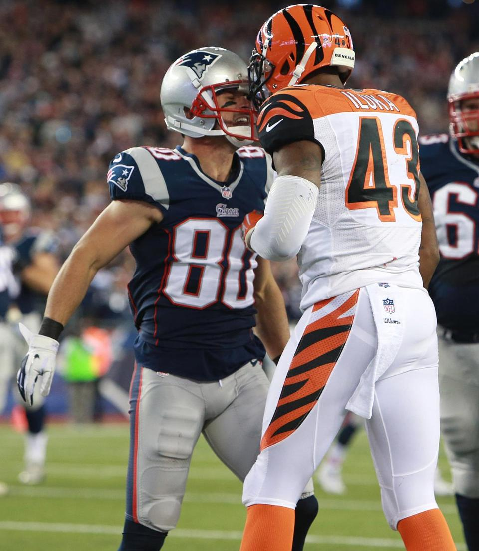 s Patriots trounce the Bengals 43 17 10 of 40