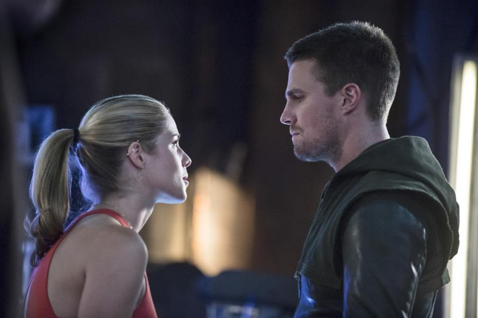 "Arrow -- ""Sara"" -- Image AR302b_0431b -- Pictured (L-R): Emily Bett Rickards as Felicity Smoak and Stephen Amell as Oliver Queen -- Photo: Cate Cameron/The CW -- Ì?å© 2014 The CW Network, LLC. All Rights Reserved. 12buzzsaw"