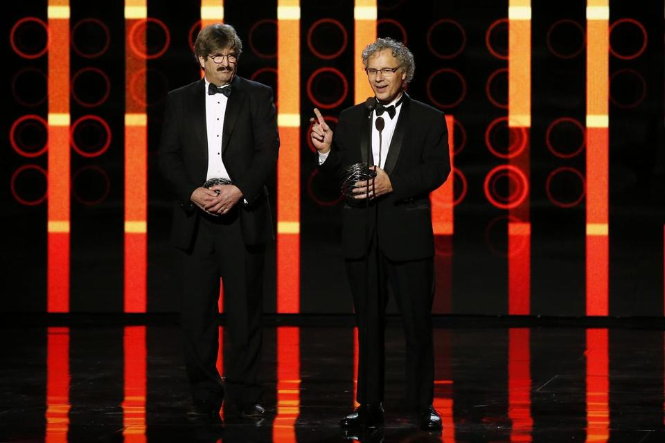 Life Science laureates Gary Ruvkun (L) and Victor Ambros speak on stage during the 2nd annual Breakthrough Prize Awards in Mountain View, California November 9, 2014. REUTERS/Stephen Lam (UNITED STATES - Tags: ENTERTAINMENT SCIENCE TECHNOLOGY)