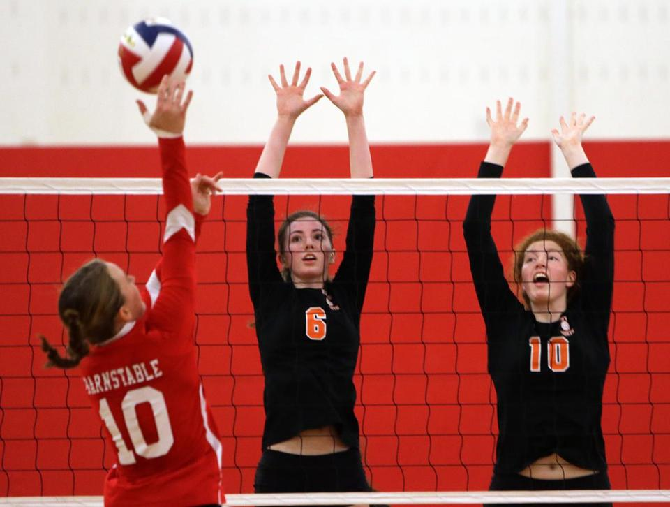 Tess Simmons (6) helped Newton North win the Division 1 state championship.