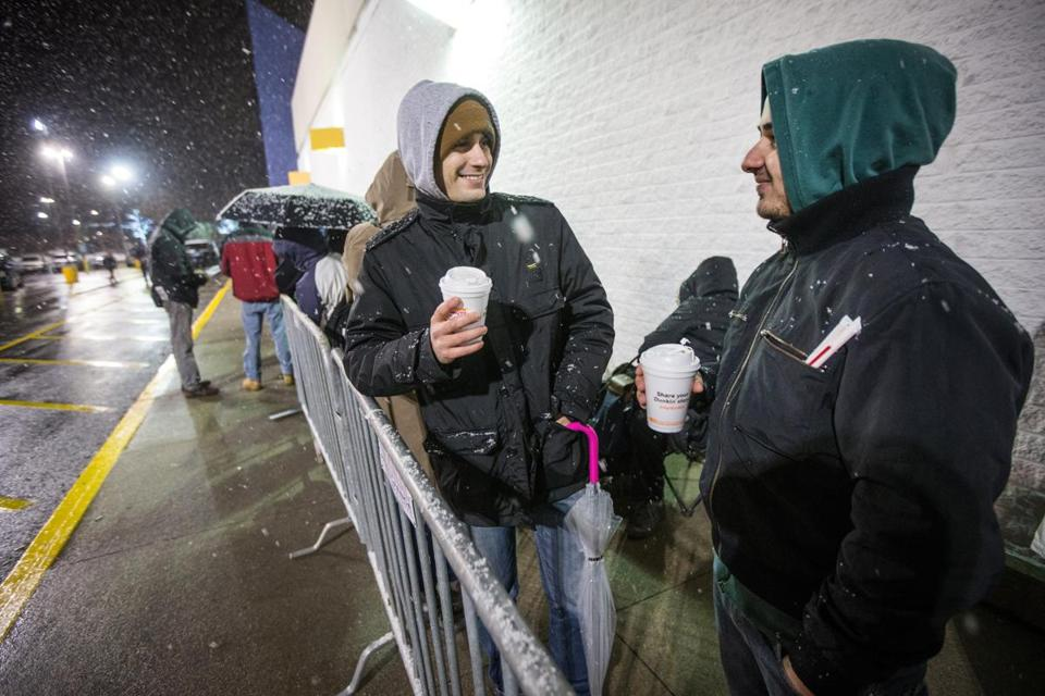 Local shopper hit stores for Black Friday (Photo 9 of 40) - Pictures ...