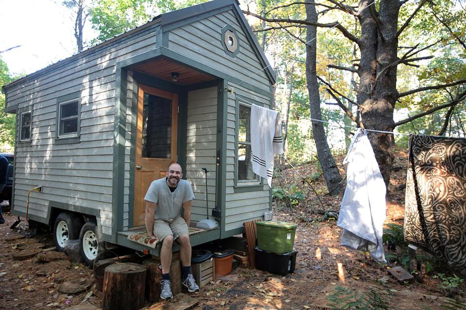 St Johns Prep teacher is living the simple life in a tiny house