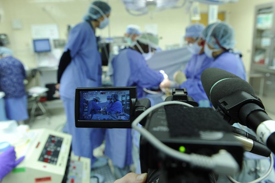 Debate Over Tv Cameras In The Er As Crew Films In Boston