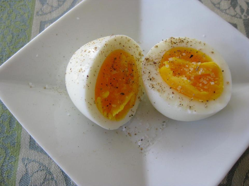 for Food - 20foodonline - Perfect hard-cooked eggs. (Sheryl Julian) Library Tag 04202011