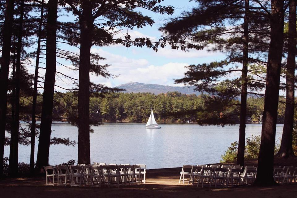 15 new england wedding venues from beachy to industrial for Top wedding venues in new england