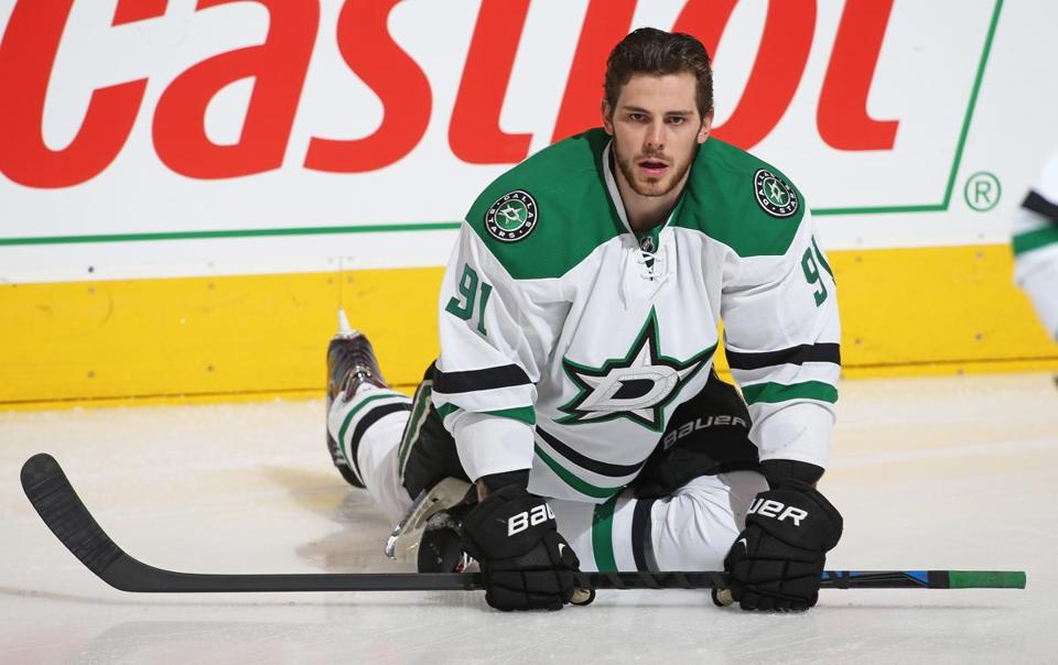 TORONTO, ON - DECEMBER 2: Tyler Seguin #91 of the Dallas Stars stretches prior to play against the Toronto Maple Leafs during an NHL game at the Air Canada Centre on December 2, 2014 in Toronto, Ontario, Canada. (Photo by Claus Andersen/Getty Images)