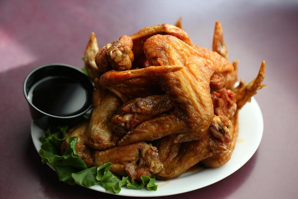Brookline Ma 01/22/2015 Teriyaki Chicken Wings at Coolidge Corner Clubhouse. Globe Staff/Photographer Jonathan Wiggs Topic: Reporter