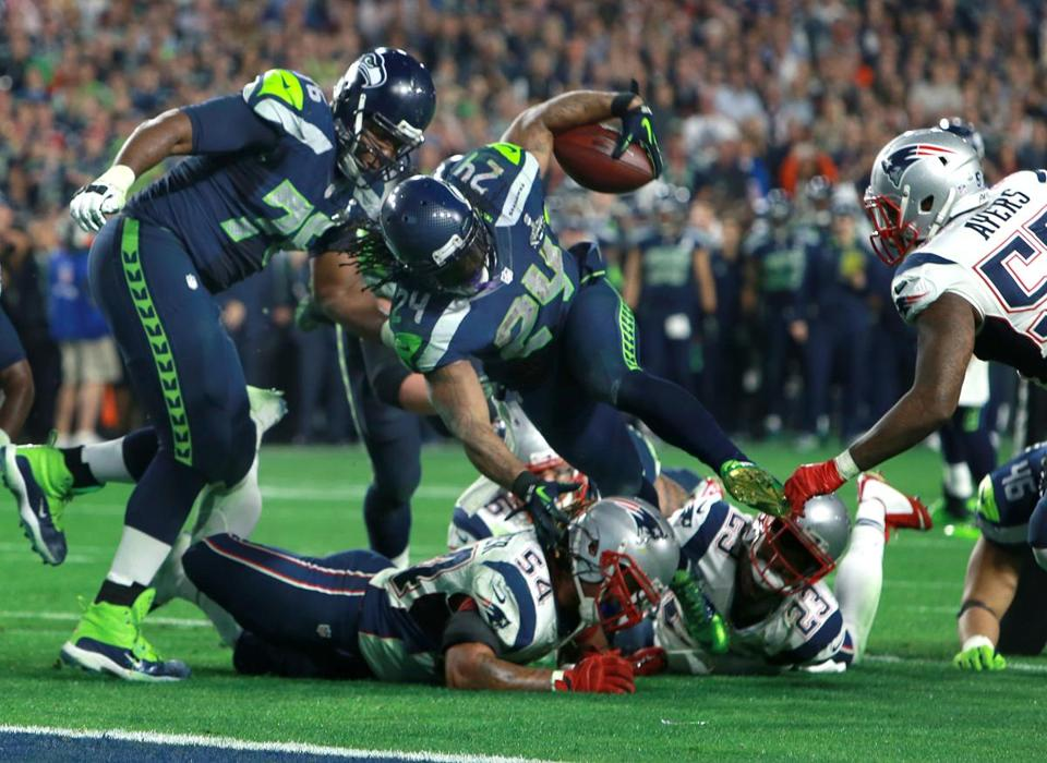 Dont'a Hightower stopped Marshawn Lynch just before the goal line late in the fourth quarter Sunday.