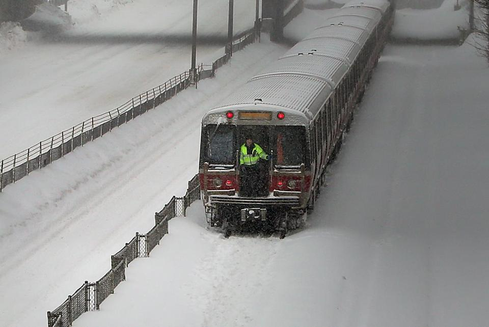 IMAGE(https://c.o0bg.com/rf/image_960w/Boston/2011-2020/2015/02/09/BostonGlobe.com/National/Images/ryan_snowagain14_met.jpg)