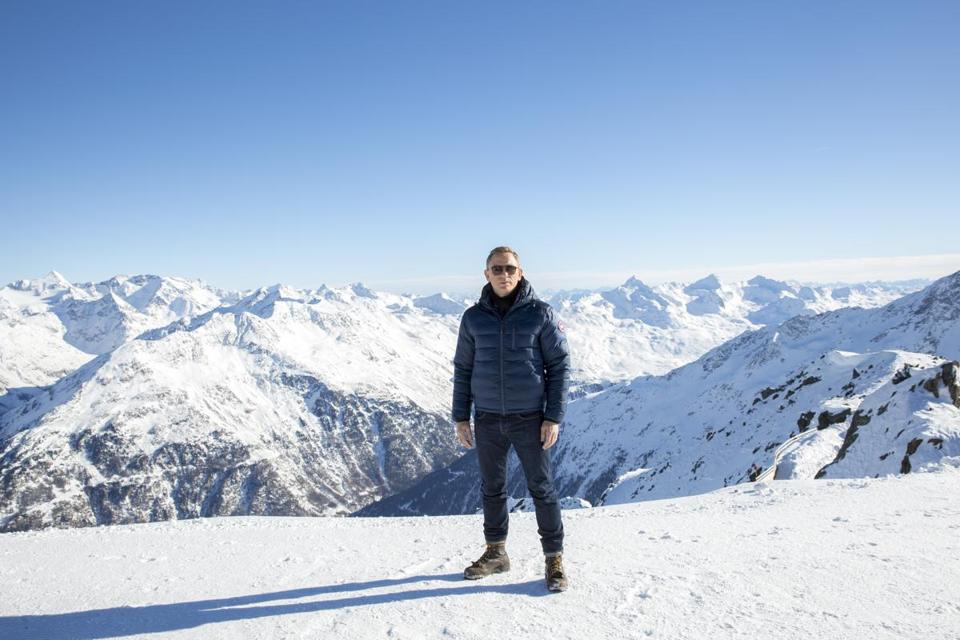 "Daniel Craig posed for ""Spectre"" in Soelden, Austria."