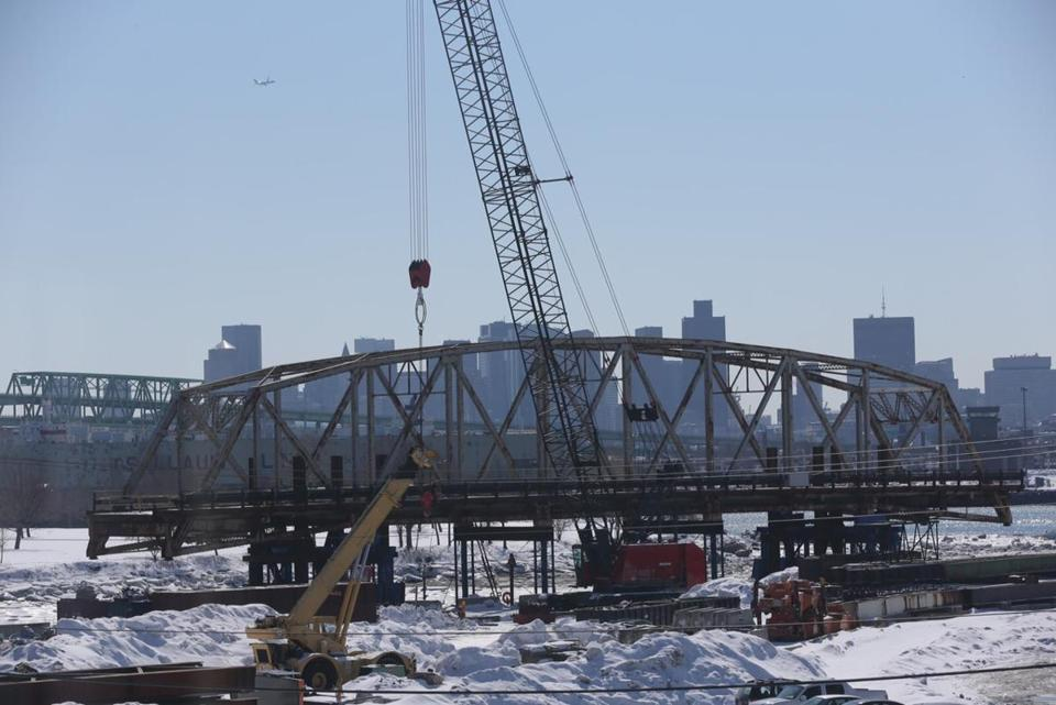 A 250-foot-long span of the Long Island Bridge was removed Wednesday.