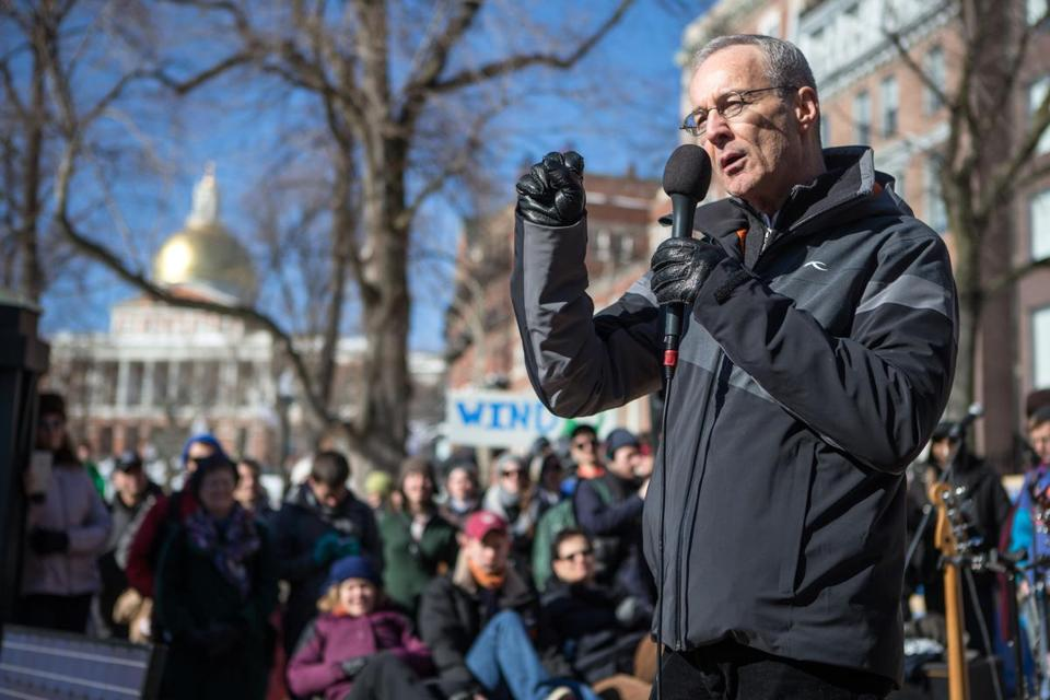 Cape Wind president Jim Gordon spoke Saturday during a rally on the Boston Common.