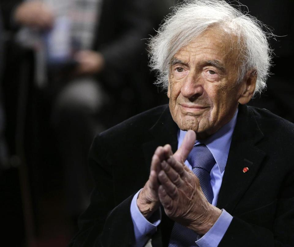"Nobel Peace Laureate Elie Wiesel is seen before participating in a roundtable discussion on ""The Meaning of Never Again: Guarding Against a Nuclear Iran"" on Capitol Hill in Washington March 2, 2015. REUTERS/Gary Cameron (UNITED STATES - Tags: POLITICS)"