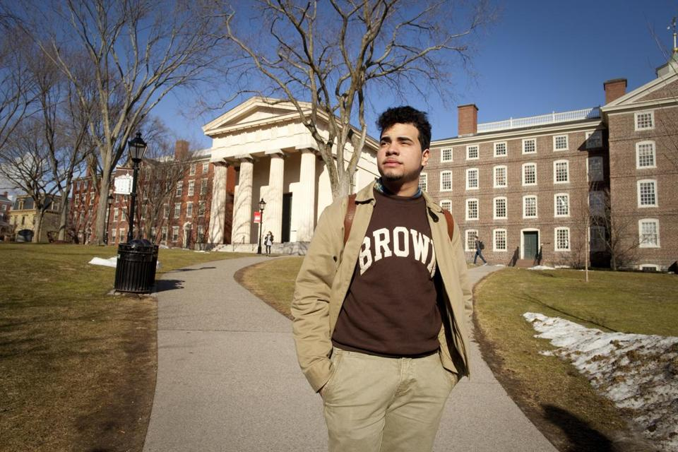 How do i get a scolarship to an Ivy League school?
