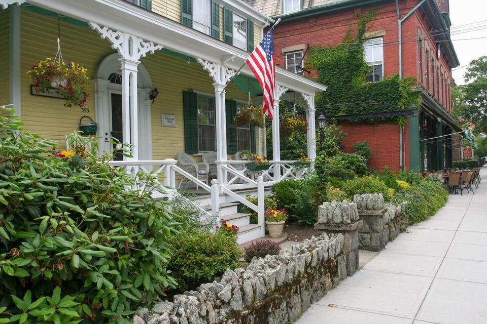 Bristol, Rhode Island: Ideas for a springtime visit - The Boston Globe
