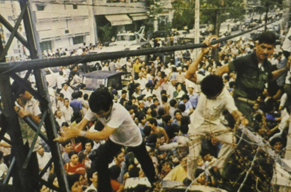 Last Us Marines To Leave Saigon Describe Chaos Of War S