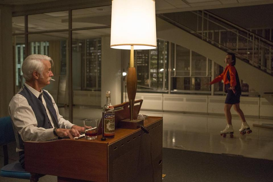 roger sterling office. Season 7, Episode 12: Roger Sterling Played Piano While Peggy Roller-skated Around Office