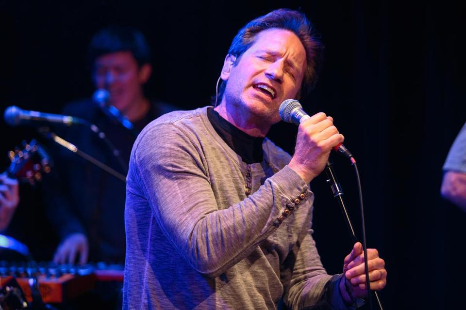 David Duchovny perform-ing at Cafe 939 last Wednesday.