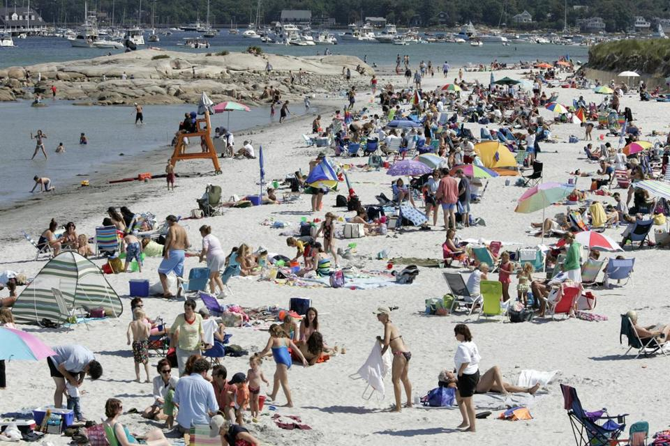 For Magazine Beaches Issue - Gloucester, MA - 9/4/2005 -Bext for Families: A busy day late in the beach going season Wingaersheek Beach. (Globe staff photo/Mark Wilson) section: magazine; slug: unknown; reporter: unknown Library Tag 05212006 Magazine -- Library Tag 09062008 Living 07COASTAL