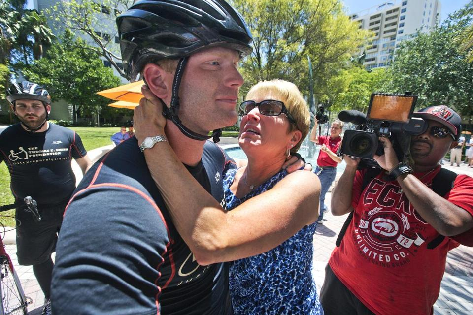 Smith had an emotional meeting with his mother at the finish.