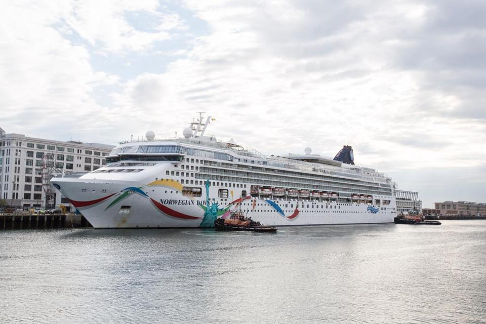 Cruise Ship That Struck Coral Reef Near Bermuda Returns To Boston - Cruises to bermuda from boston
