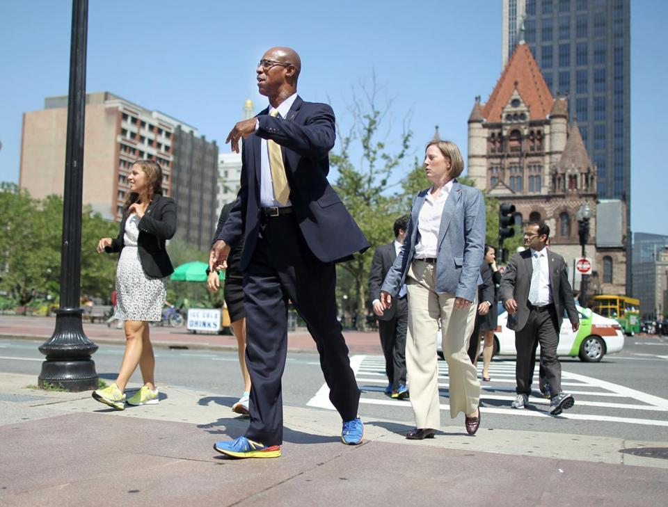 Boston commuters love to walk to work - The Boston Globe