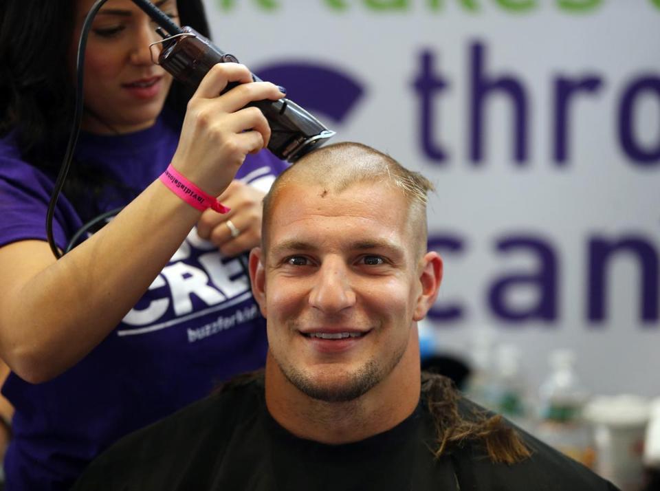 Resultado de imagem para rob gronkowski cut hair cancer