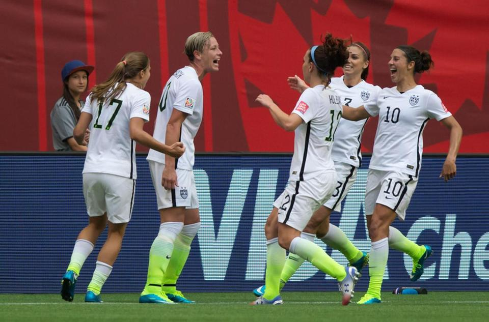 Abby Wambach And Her Teammates Celebrate After Goal Against Nigeria